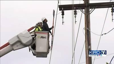 VIDEO: Crews working to restore power across western Washington