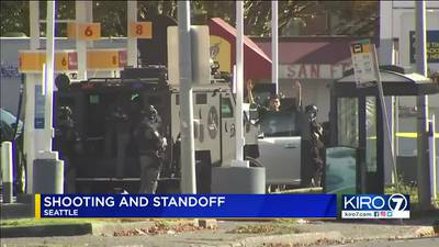 VIDEO: Suspect surrenders after two people shot in Seattle