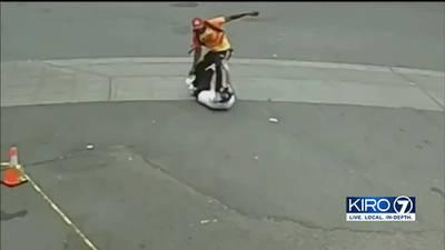VIDEO: Police askjng for help identifying suspect in violent attack