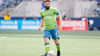 Sounders score 4 straight goals to beat Timbers 6-2