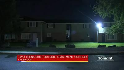 2 teenagers injured in Lakewood apartment shooting