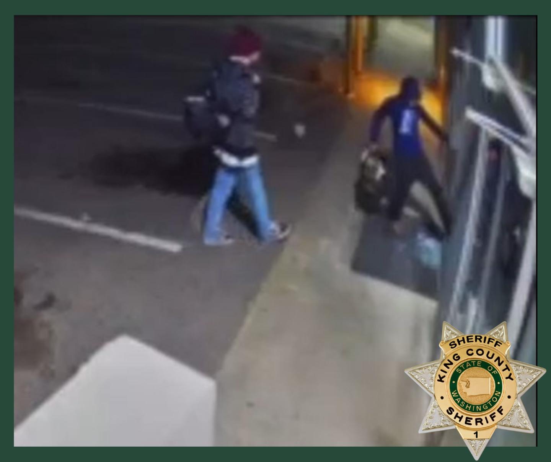 Suspects in Covington smoke shop burglary