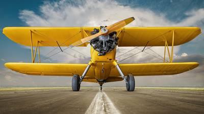 98-year-old World War II veteran from Florida enjoys vintage biplane flight