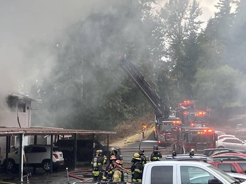 3-alarm fire at Edgewood apartment building