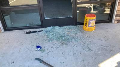 Man breaks into Parkland building with machete