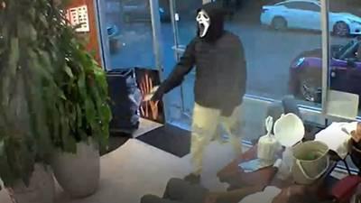 RAW: Armed thieves wearing 'Scream' masks rob Rainier Valley salon